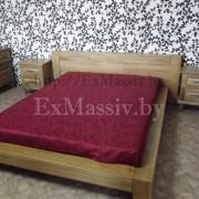 Двуспальная кровать из дерева общий вид