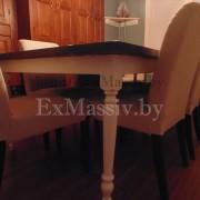 Белая нога обеденного стола из массива