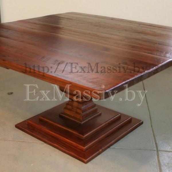 Квадратный кухонный стол из дерева