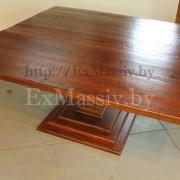 большой стол из дерева