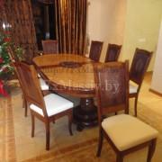 Деревянный обеденный стол из дуба