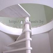 Выставление ступеней винтовой лестницы из дерева