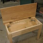 Журнальный стол из дерева открытый