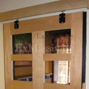 Раздвижной механизм двери из массива