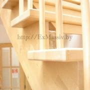 Ступени лестницы с поворотом