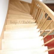 Ступени лестницы с поворотом на 90