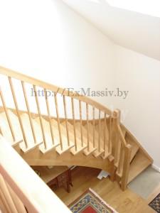 Готовая лестница с поворотом