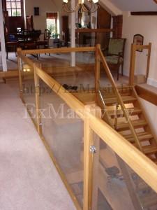 Лестница прямая деревянная на заказ