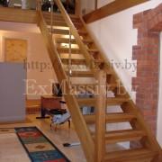 Лестница прямая деревянная в Боровлянах
