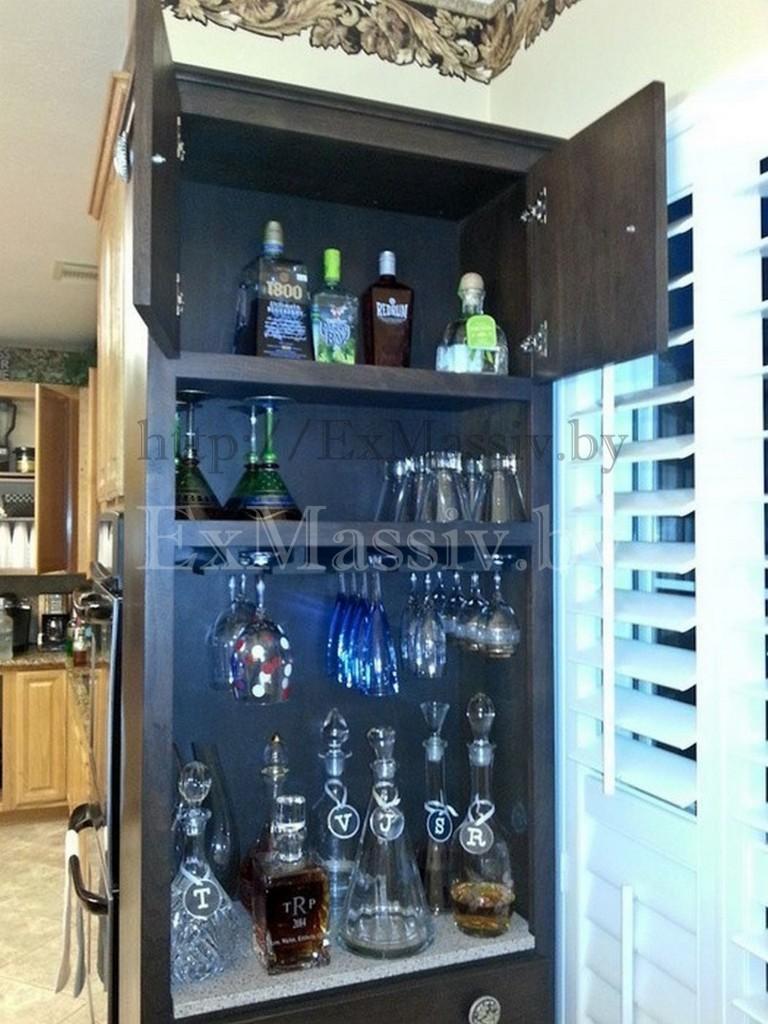Шкаф для вина на кухню из дерева на заказ