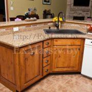 Нижние шкафчики для кухни из ольхи