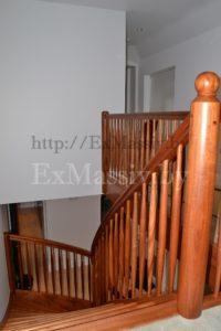 Перила для лестницы из массива дуба