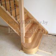 Закругленные ступени для лестницы из дуба на заказ