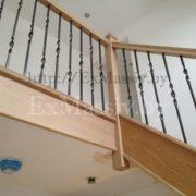 Портал для лестницы из дуба на заказ