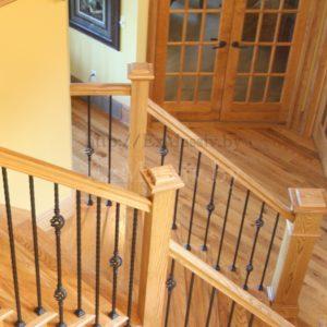 Столбы для лестницы из ясеня