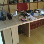 Письменный стол из массива дуба фото