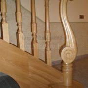 Резной столб для лестницы в Минске