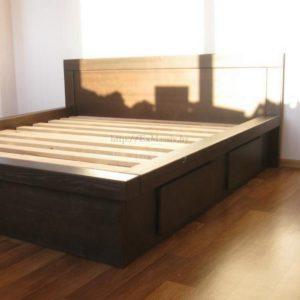 Заказать двуспальную кровать из массива