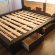 Заказать двуспальную кровать из массива фото